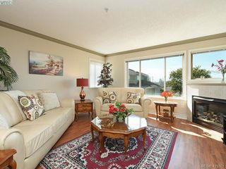 Photo 2: 20 127 Aldersmith Place in VICTORIA: VR Glentana Row/Townhouse for sale (View Royal)  : MLS®# 415501