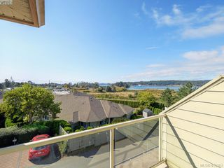 Photo 12: 20 127 Aldersmith Place in VICTORIA: VR Glentana Row/Townhouse for sale (View Royal)  : MLS®# 415501