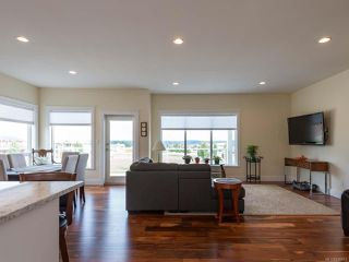 Photo 3: 3439 Eagleview Cres in COURTENAY: CV Courtenay City House for sale (Comox Valley)  : MLS®# 830815