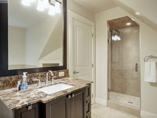 Photo 11: 14 675 Superior St in VICTORIA: Vi James Bay Row/Townhouse for sale (Victoria)  : MLS®# 831309