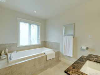 Photo 12: 14 675 Superior Street in VICTORIA: Vi James Bay Row/Townhouse for sale (Victoria)  : MLS®# 420018