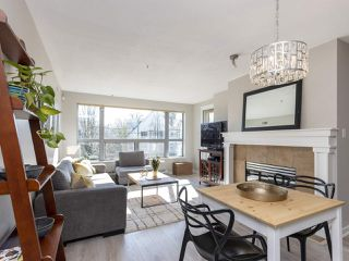 "Photo 4: 302 3161 W 4TH Avenue in Vancouver: Kitsilano Condo for sale in ""Bridgewater"" (Vancouver West)  : MLS®# R2443510"