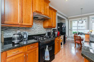 Photo 4: 1021 STEWART Avenue in Coquitlam: Maillardville House 1/2 Duplex for sale : MLS®# R2445154