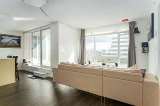 """Photo 5: 1011 5665 BOUNDARY Road in Vancouver: Collingwood VE Condo for sale in """"WALL CENTRE CENTRAL PARK"""" (Vancouver East)  : MLS®# R2458768"""