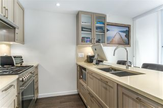 """Photo 3: 1011 5665 BOUNDARY Road in Vancouver: Collingwood VE Condo for sale in """"WALL CENTRE CENTRAL PARK"""" (Vancouver East)  : MLS®# R2458768"""
