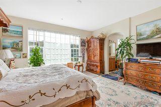 Photo 11: FALLBROOK House for sale : 3 bedrooms : 147 Kaden Ct