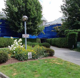"Photo 2: 305 2700 MCCALLUM Road in Abbotsford: Central Abbotsford Condo for sale in ""The SEASONS"" : MLS®# R2479464"
