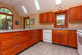 Photo 7: 5178 Elliot Rd in : Du Cowichan Station/Glenora House for sale (Duncan)  : MLS®# 857870