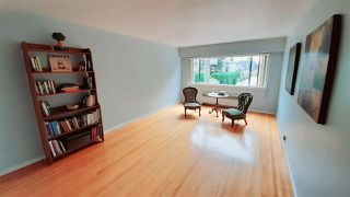 """Photo 2: 107 2250 W 43RD Avenue in Vancouver: Kerrisdale Condo for sale in """"CHARLTON COURT LTD"""" (Vancouver West)  : MLS®# R2507744"""