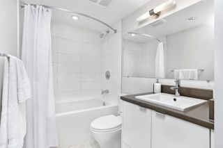 """Photo 6: 1806 161 W GEORGIA Street in Vancouver: Downtown VW Condo for sale in """"COSMO"""" (Vancouver West)  : MLS®# R2516379"""