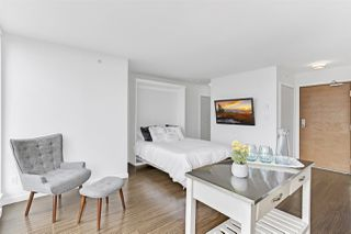 """Photo 3: 1806 161 W GEORGIA Street in Vancouver: Downtown VW Condo for sale in """"COSMO"""" (Vancouver West)  : MLS®# R2516379"""