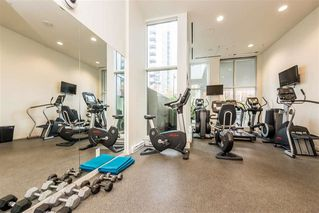 """Photo 9: 1806 161 W GEORGIA Street in Vancouver: Downtown VW Condo for sale in """"COSMO"""" (Vancouver West)  : MLS®# R2516379"""