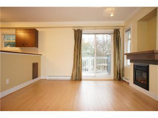 """Photo 4: 9 7428 SOUTHWYNDE Avenue in Burnaby: South Slope Townhouse for sale in """"LEDGESTONE 2"""" (Burnaby South)  : MLS®# V922953"""