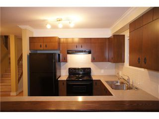 """Photo 5: 9 7428 SOUTHWYNDE Avenue in Burnaby: South Slope Townhouse for sale in """"LEDGESTONE 2"""" (Burnaby South)  : MLS®# V922953"""