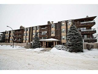 Photo 1: 116 3730 50 Street NW in CALGARY: Varsity Village Condo for sale (Calgary)  : MLS®# C3595769