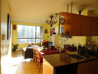 Photo 2: 2405 1189 HOWE Street in Vancouver: Downtown VW Condo for sale (Vancouver West)  : MLS®# V1098846
