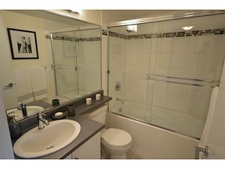 """Photo 8: 1101 833 AGNES Street in New Westminster: Downtown NW Condo for sale in """"The News"""" : MLS®# V1118257"""