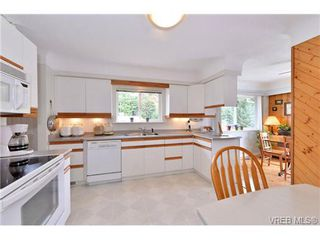 Photo 9: 2347 Bellamy Road in VICTORIA: La Thetis Heights Single Family Detached for sale (Langford)  : MLS®# 352326