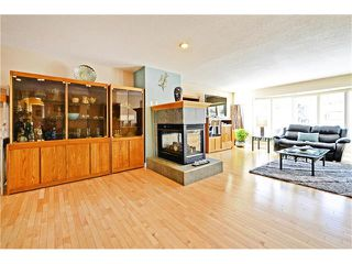 Photo 6: 2612 LAUREL Crescent SW in Calgary: Lakeview House for sale : MLS®# C4050066