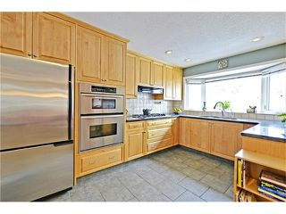 Photo 12: 2612 LAUREL Crescent SW in Calgary: Lakeview House for sale : MLS®# C4050066
