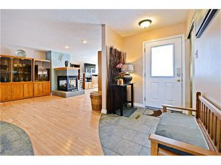 Photo 4: 2612 LAUREL Crescent SW in Calgary: Lakeview House for sale : MLS®# C4050066
