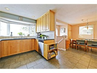 Photo 10: 2612 LAUREL Crescent SW in Calgary: Lakeview House for sale : MLS®# C4050066
