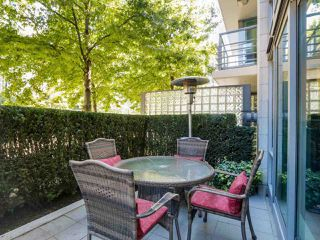 """Photo 2: 495 BROUGHTON Street in Vancouver: Coal Harbour Townhouse for sale in """"DENIA"""" (Vancouver West)  : MLS®# R2096844"""