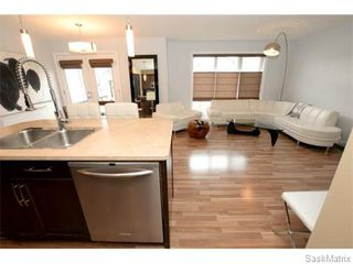 Photo 3: 4334 MEADOWSWEET Lane in Regina: Single Family Dwelling for sale (Regina Area 01)  : MLS®# 584657