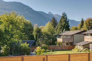 "Photo 4: 41783 COTTONWOOD Road in Squamish: Brackendale House 1/2 Duplex for sale in ""Brackendale"" : MLS®# R2116070"