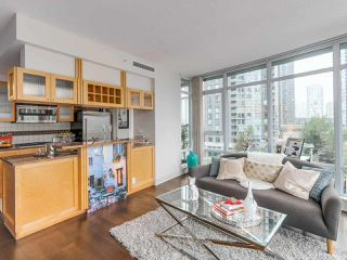 "Photo 7: 701 1483 HOMER Street in Vancouver: Yaletown Condo for sale in ""The WATERFORD"" (Vancouver West)  : MLS®# R2118154"
