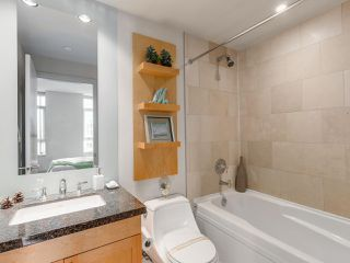 "Photo 11: 701 1483 HOMER Street in Vancouver: Yaletown Condo for sale in ""The WATERFORD"" (Vancouver West)  : MLS®# R2118154"