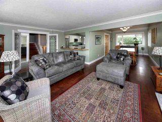 Photo 3: 4948 11A Avenue in Delta: Tsawwassen Central House for sale (Tsawwassen)  : MLS®# R2125963