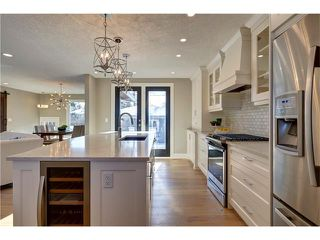 Photo 14: 179 WINDERMERE Road SW in Calgary: Wildwood House for sale : MLS®# C4103216