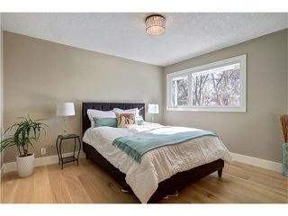 Photo 21: 179 WINDERMERE Road SW in Calgary: Wildwood House for sale : MLS®# C4103216