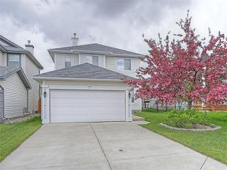 Photo 1: 40 CITADEL RIDGE Close NW in Calgary: Citadel House for sale : MLS®# C4119183