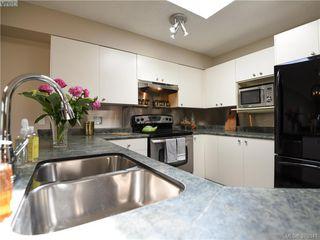 Photo 8: 305 853 North Park St in VICTORIA: Vi Central Park Condo Apartment for sale (Victoria)  : MLS®# 761865