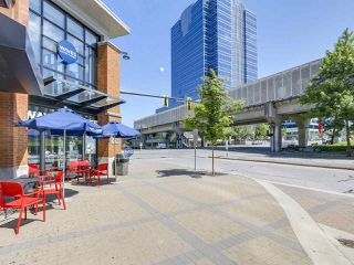 "Photo 13: 808 10777 UNIVERSITY Drive in Surrey: Whalley Condo for sale in ""CITYPOINT"" (North Surrey)  : MLS®# R2184234"