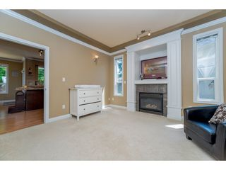Photo 2: 6878 198B Street in Langley: Willoughby Heights House for sale : MLS®# R2189371