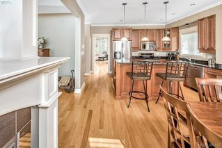 Photo 7: 996 Moss Ridge Close in VICTORIA: Me Metchosin Single Family Detached for sale (Metchosin)  : MLS®# 381182