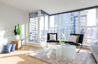 "Photo 3: 2707 131 REGIMENT Square in Vancouver: Downtown VW Condo for sale in ""SPECTRUM 3"" (Vancouver West)  : MLS®# R2198721"