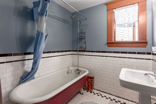 """Photo 14: 1423 E 11TH Avenue in Vancouver: Grandview VE House for sale in """"COMMERCIAL DRIVE"""" (Vancouver East)  : MLS®# R2213839"""