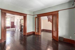 """Photo 5: 1423 E 11TH Avenue in Vancouver: Grandview VE House for sale in """"COMMERCIAL DRIVE"""" (Vancouver East)  : MLS®# R2213839"""