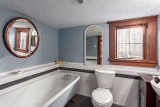 """Photo 18: 1423 E 11TH Avenue in Vancouver: Grandview VE House for sale in """"COMMERCIAL DRIVE"""" (Vancouver East)  : MLS®# R2213839"""