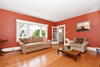 Photo 5: 2107 W 51ST Avenue in Vancouver: S.W. Marine House for sale (Vancouver West)  : MLS®# R2237001