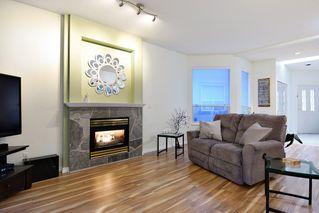 "Photo 3: 74 20881 87 Avenue in Langley: Walnut Grove Townhouse for sale in ""Kew Gardens"" : MLS®# R2238202"