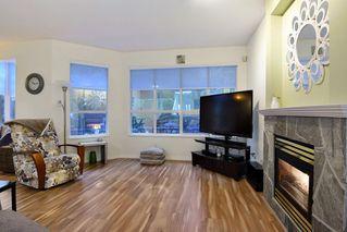 "Photo 4: 74 20881 87 Avenue in Langley: Walnut Grove Townhouse for sale in ""Kew Gardens"" : MLS®# R2238202"