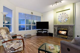 "Photo 2: 74 20881 87 Avenue in Langley: Walnut Grove Townhouse for sale in ""Kew Gardens"" : MLS®# R2238202"