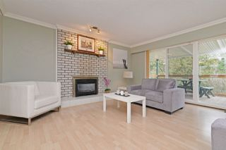 Photo 2: 7572 LEE Street in Mission: Mission BC House for sale : MLS®# R2246590