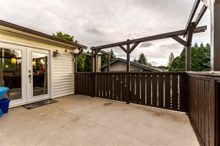 """Photo 18: 2046 BOWLER Drive in Surrey: King George Corridor House 1/2 Duplex for sale in """"King George Corridor"""" (South Surrey White Rock)  : MLS®# R2247928"""