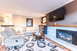 """Photo 1: 2046 BOWLER Drive in Surrey: King George Corridor House 1/2 Duplex for sale in """"King George Corridor"""" (South Surrey White Rock)  : MLS®# R2247928"""